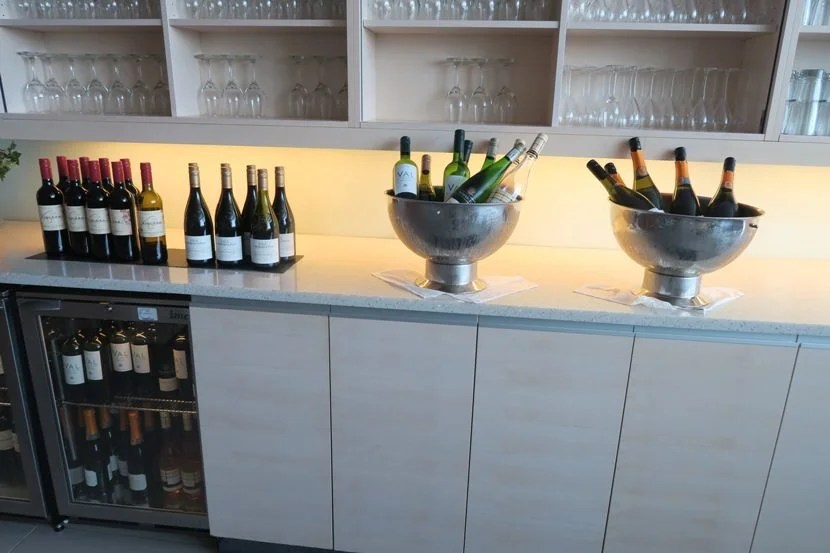 In order to keep up with the busy lounge, the lounge left outmany bottles of each type of wine and champagne.