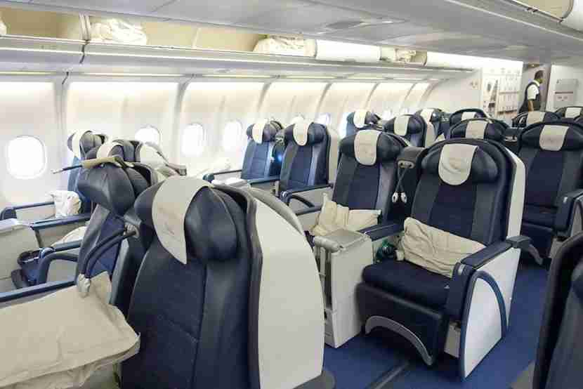 The business class cabin is divided up into one larger cabin and one mini-cabin behind it.