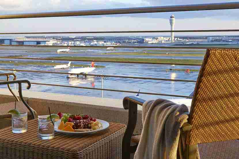 Image courtesy of Renaissance Concourse Atlanta Airport Hotel
