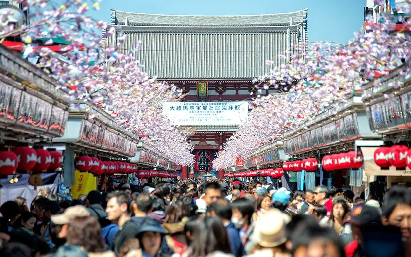 """Asakusa – the last remnant of old Edo. Image courtesy of <a href=""""http://www.shutterstock.com/pic-252143302/stock-photo-tokyo-april-7-2014-nakamise-shopping-street-in-asakusa-connect-to-senso-ji-temple-in-asakusa-tokyo-on-7-april-2014the-senso-ji-temple-in-asakusa-is-the-most-famous-temple-in-tokyo.html?src=pt8Uw-EuSvG9T8bQ-RJn0g-1-44"""">Shutterstock</a>."""