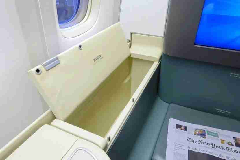 Korean Air 777-300ER First Class SIN Review