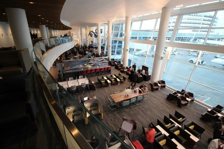 delta-sky-club-seattle-seating-overhead-back