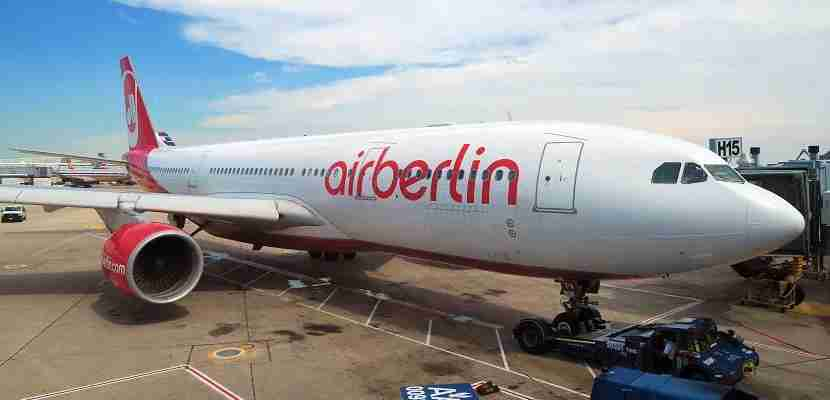 airberlin-plane-at-ord-gate-featured-photo-by-jt-genter