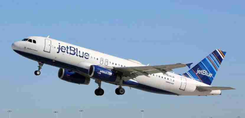 Fort Lauderdale, United States - February 17, 2016: A Jetblue Airways Airbus A320 with the registration N595JB taking off from Fort Lauderdale Airport (FLL) in the United States. Jetblue is an American low-cost airline and the fifth biggest airline in the US with its headquarters in New York.