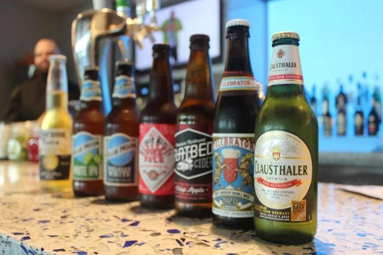 img-delta-sky-club-seattle-beer