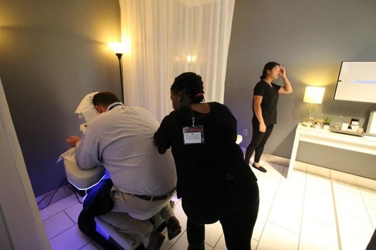img-delta-sky-club-seattle-massage