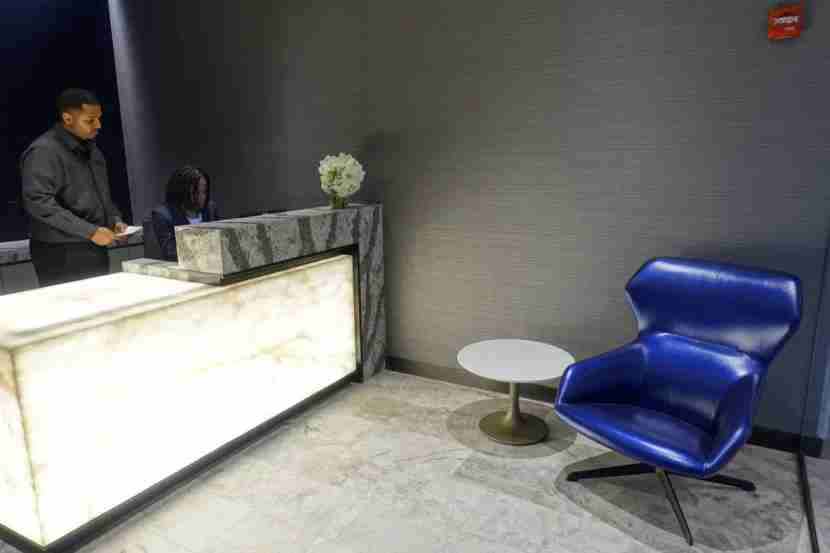 United Polaris Lounge Review