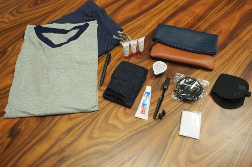 Cool pajamas and a slick, multipurpose bag makes AA's first class international amenity kit comparable to some of the world's best carriers.
