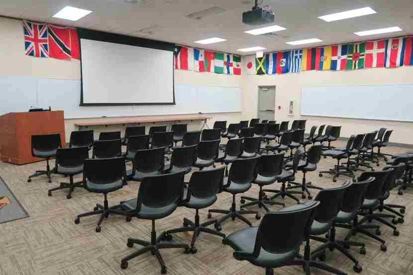 A lecture classroom at the DFW FTRC.