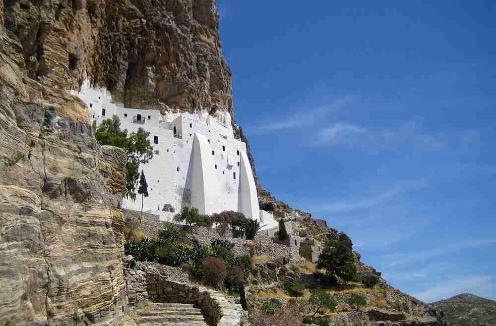 The Monastery of Hozoviotissa on Amorgos. Image courtesy of Teddy at Wts Wikivoyage via Wikimedia Commons.
