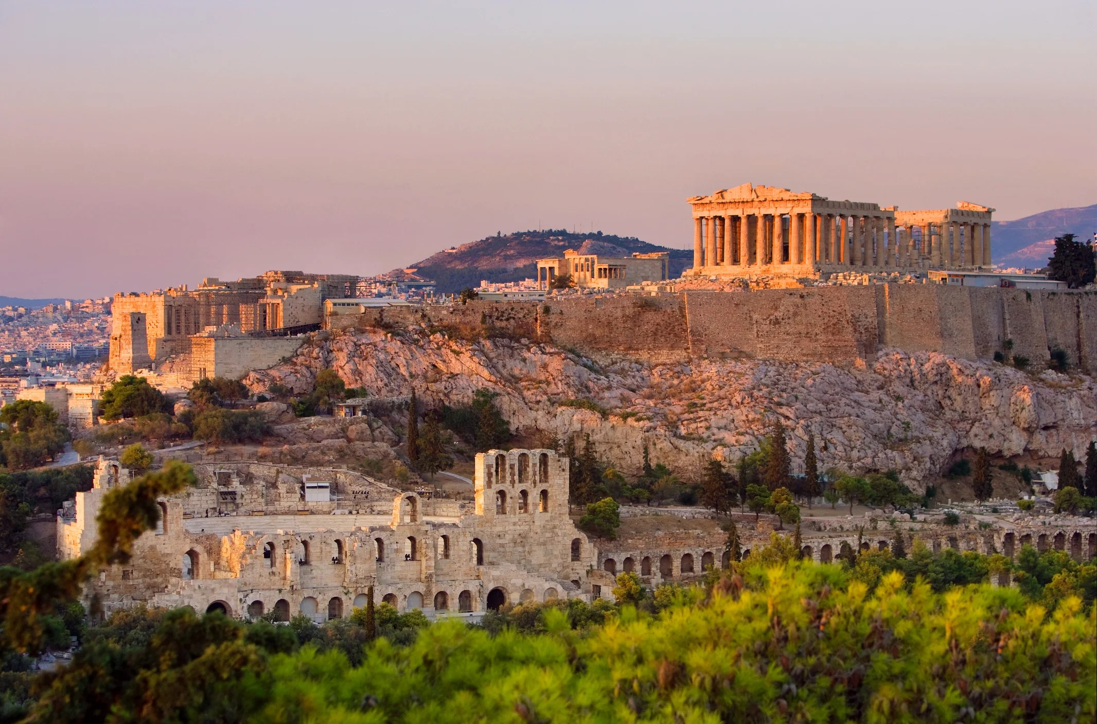 Deal: Newark to Athens From $392 Round-Trip on Emirates