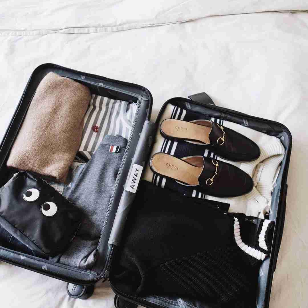 IMG-Away-Luggage