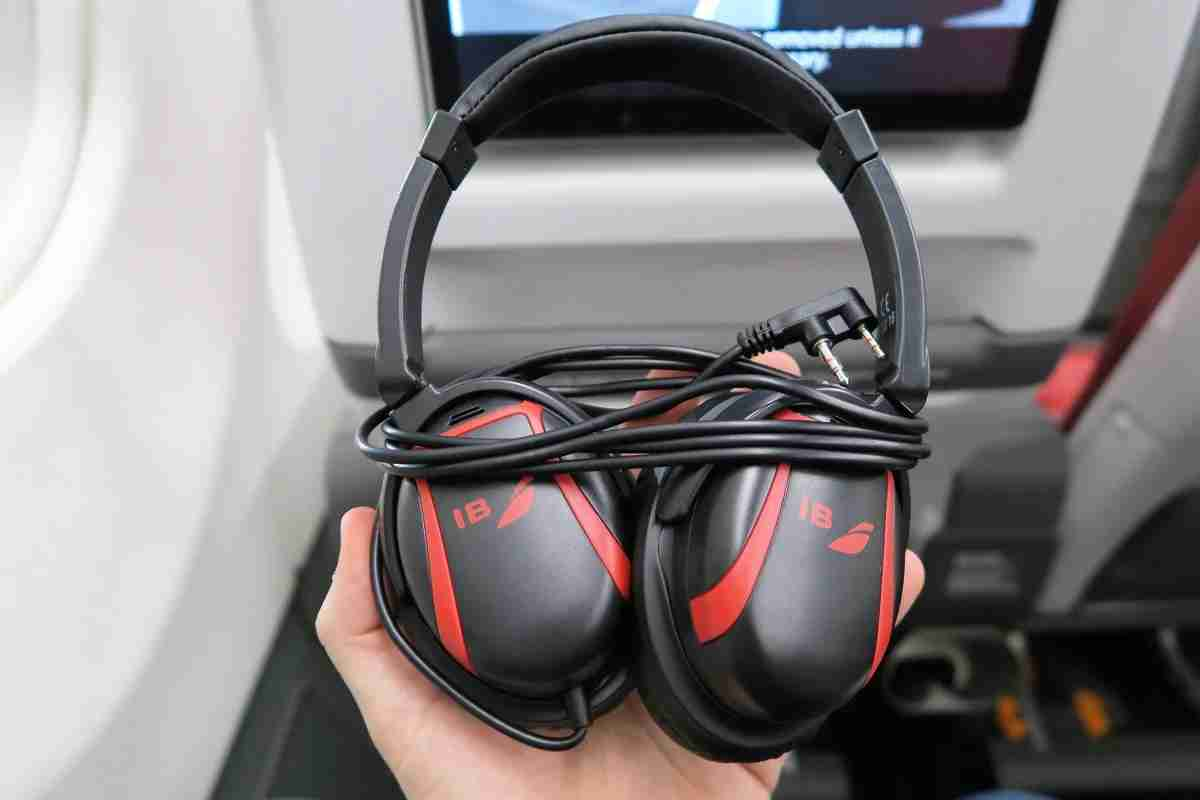 Iberia A340-600 Premium Economy headphones
