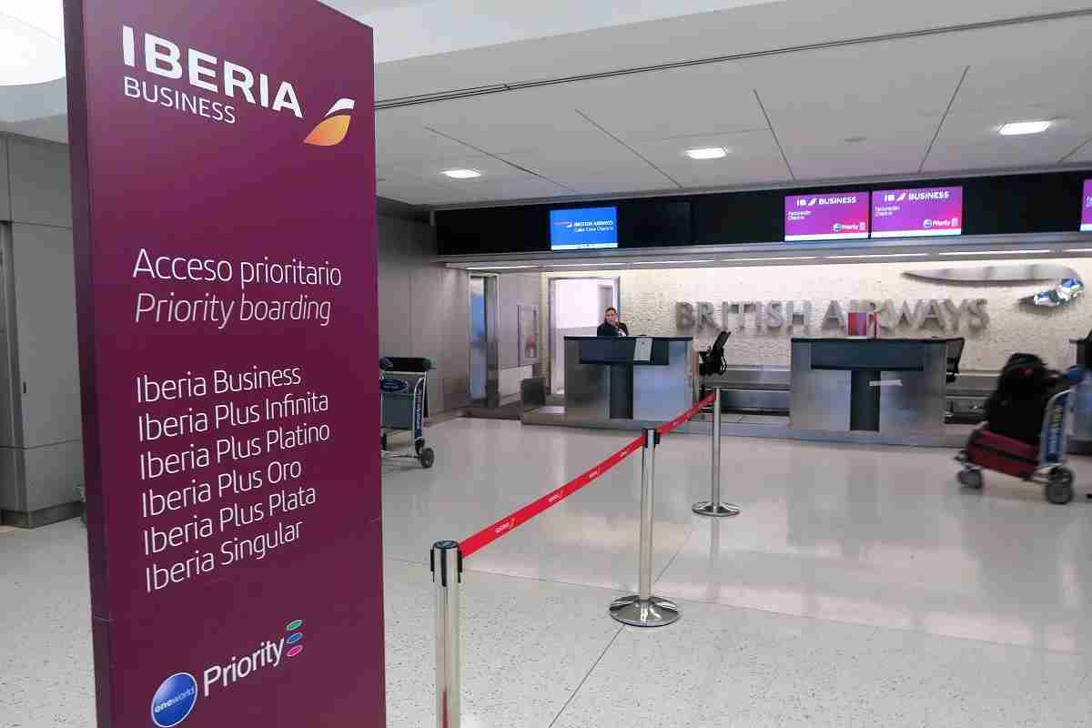 Iberia Business Class check-in desk