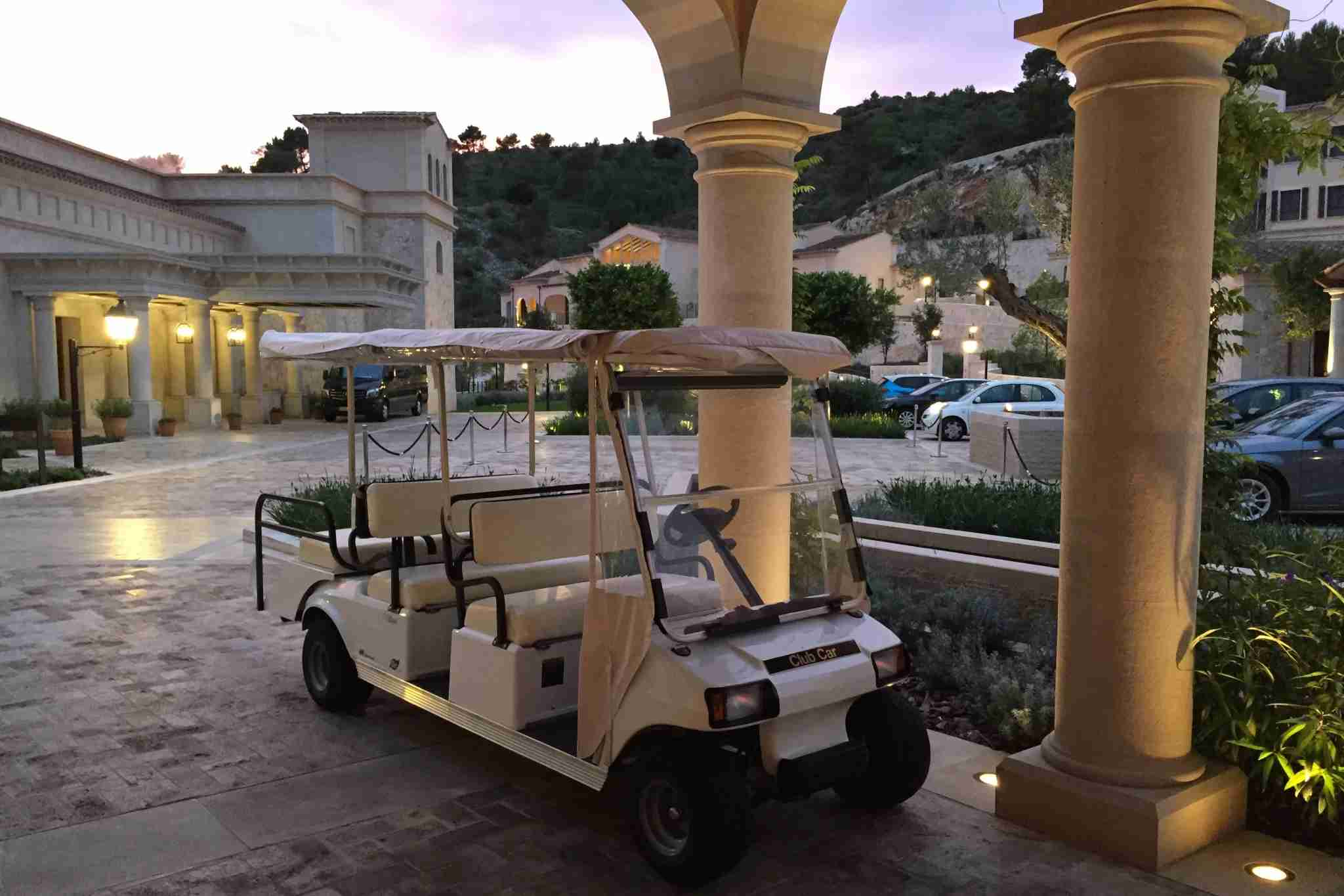 Park Hyatt Mallorca golf cart
