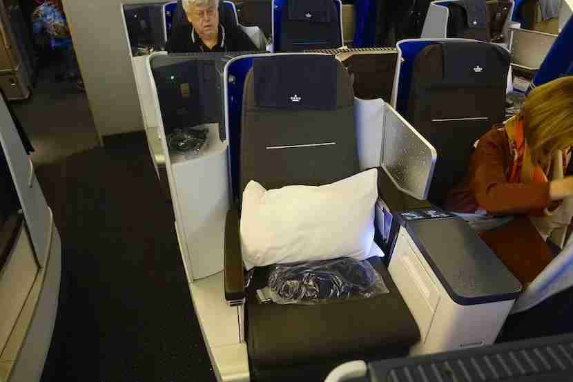 KLM 777 middle seats 1