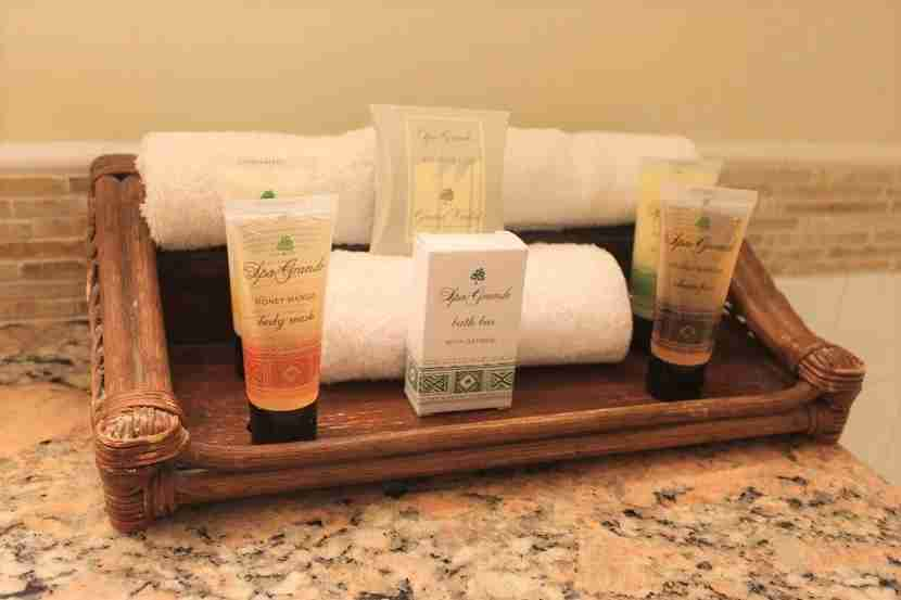 IMG Grand Wailea Ocean View Room toiletries