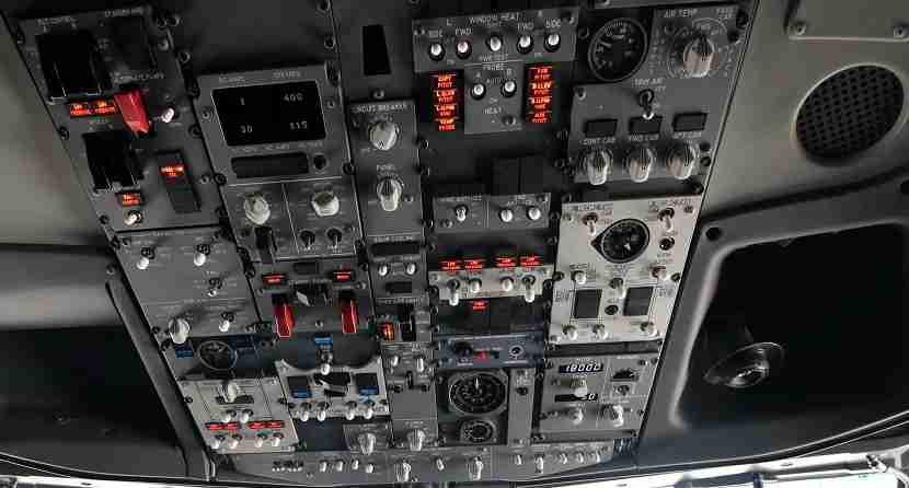 IMG Norwegian Air Boeing 737 MAX 8 cockpit overhead controls