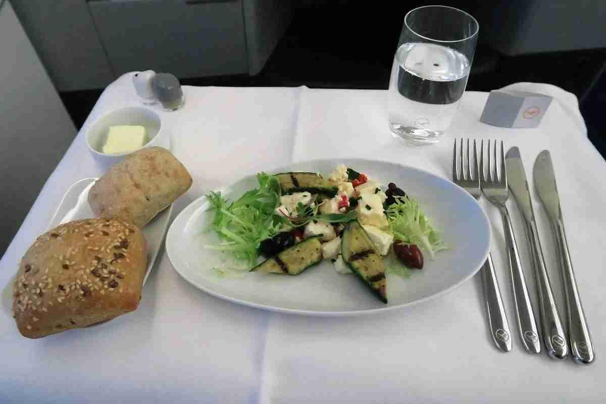 Lufthansa 747-8 748 business class IAD-FRA appetizer