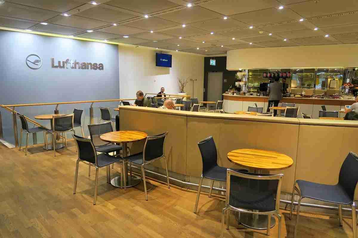 Lufthansa FRA Frankfurt Arrivals Lounge dining area