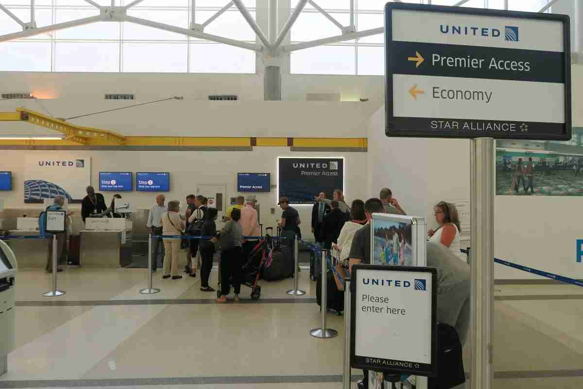 United Premier Access check-in in FLL