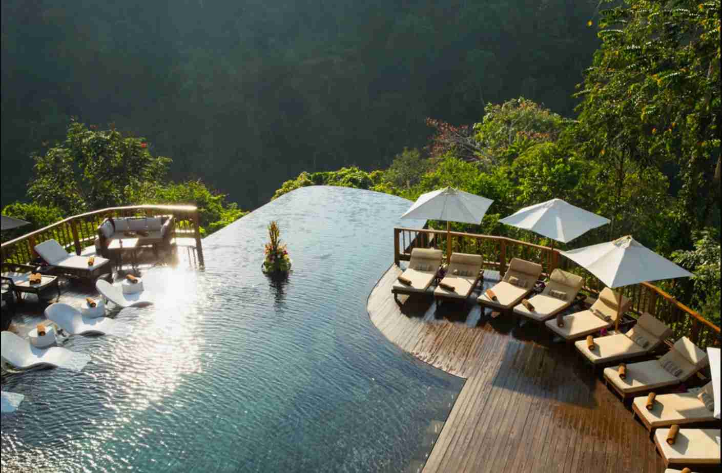 Hanging Gardens lives up to its name. Image courtesy of Hanging Gardens of Bali.