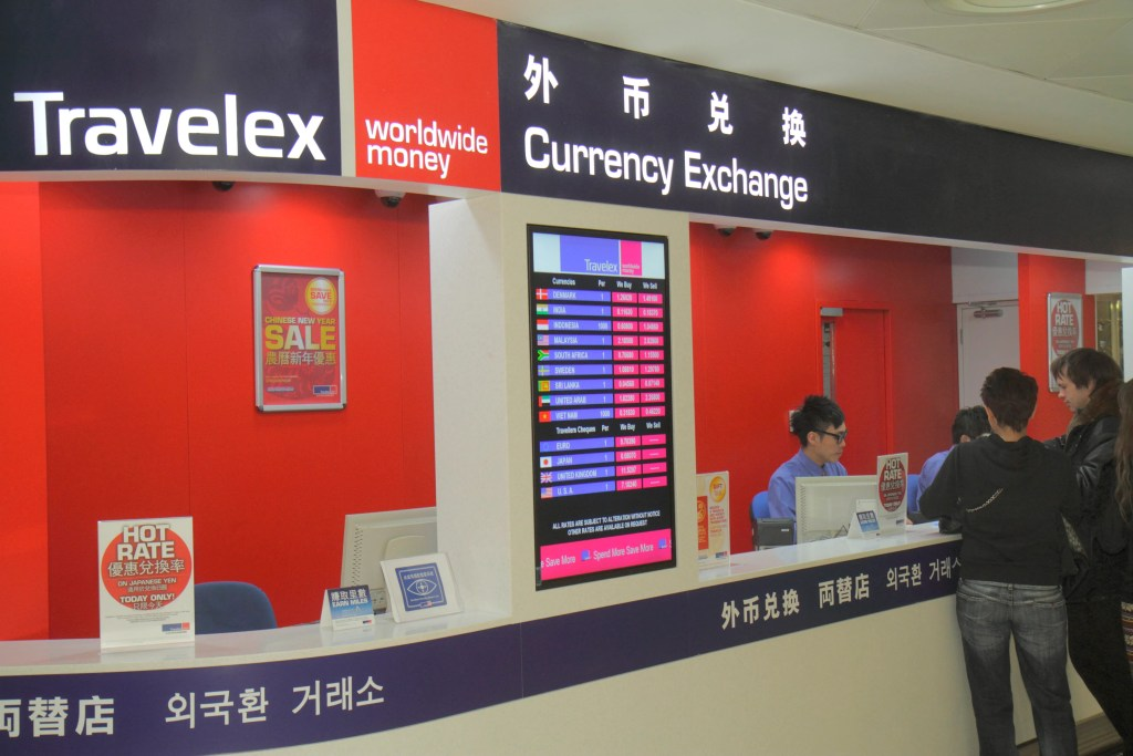 Earn United Miles for Converting Currency With Travelex