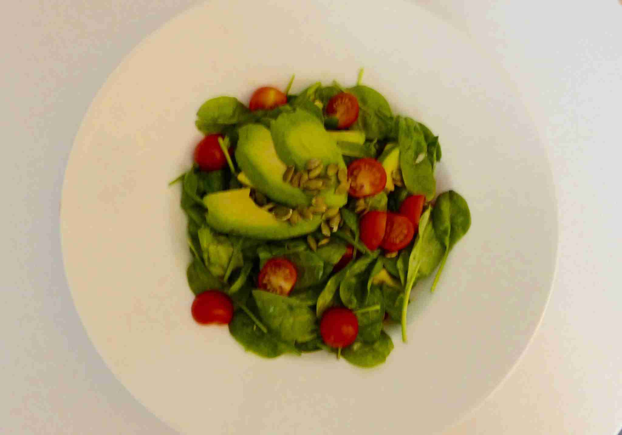 IMG-Edinburgh-Hilton-avacado-salad