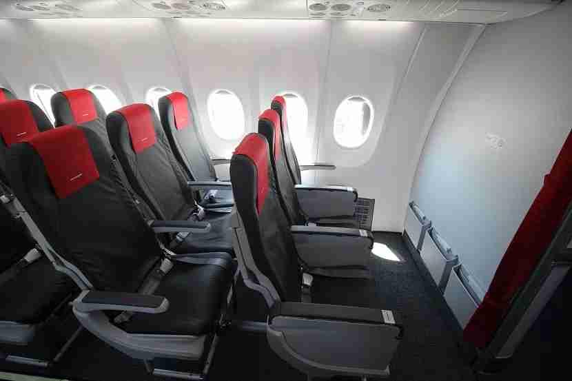 IMG Norwegian Air Boeing 737 MAX 8 bulkhead seats