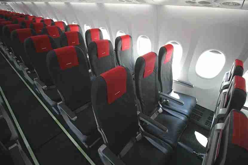 IMG Norwegian Air Boeing 737 MAX 8 cabin 4