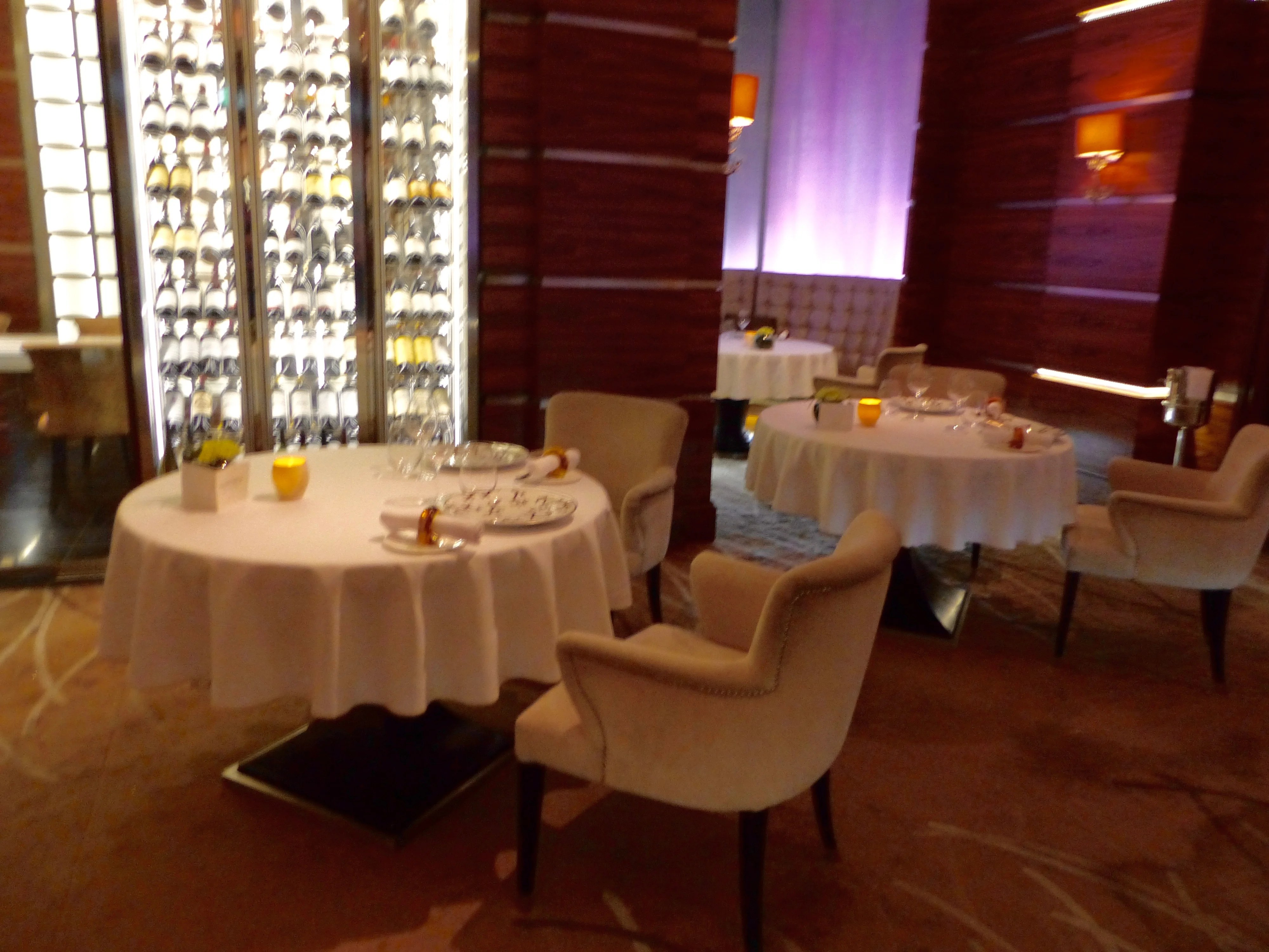 IMG-Westbury-Restaurant-Tables