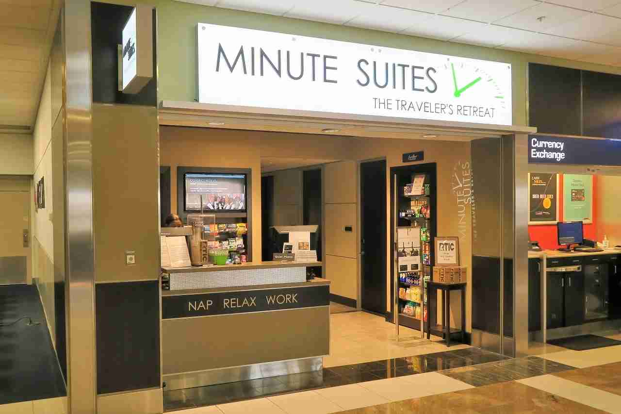 Minute Suites ATL entrance