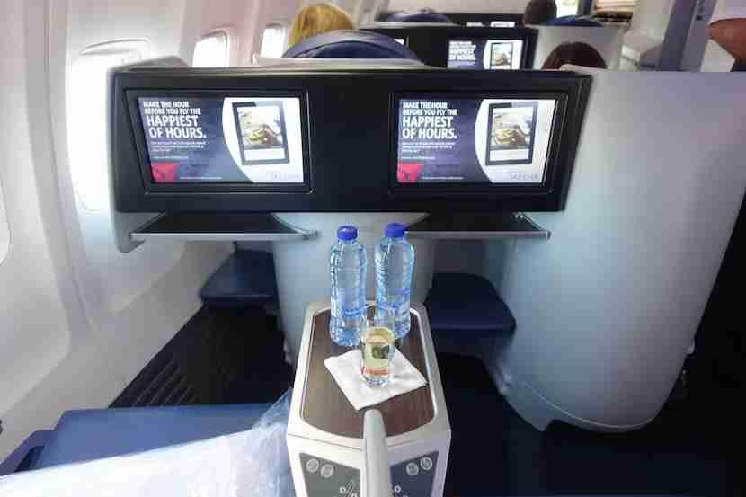 Delta 757 screens 1