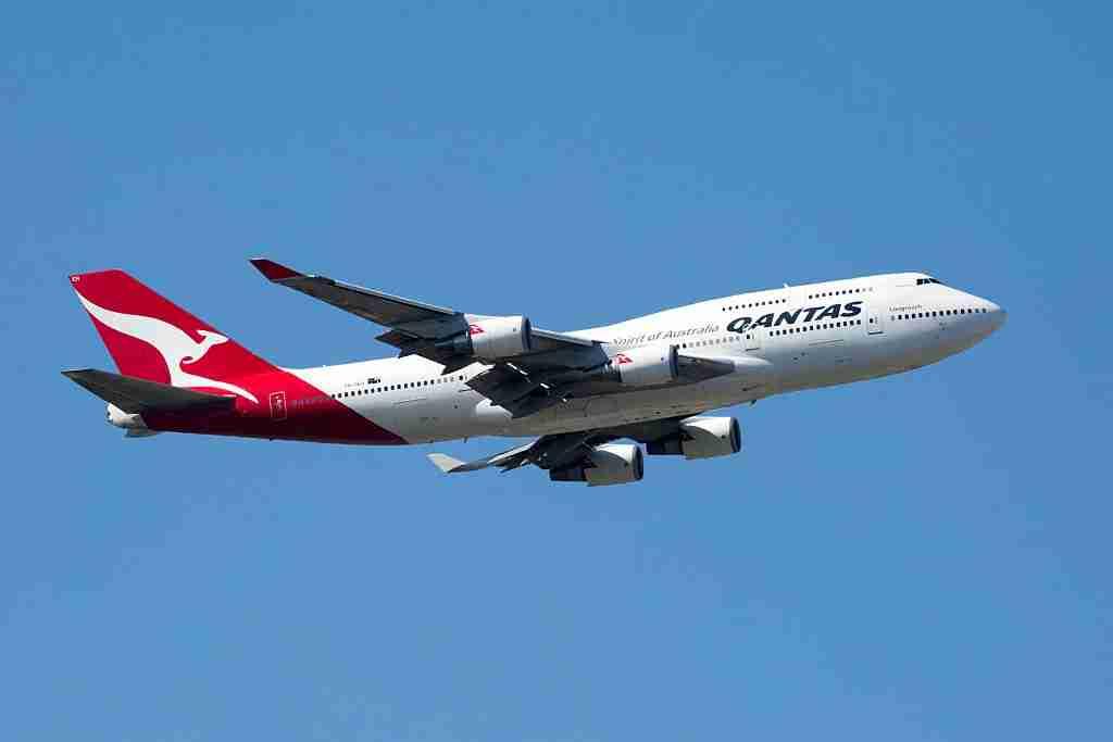 MELBOURNE, AUSTRALIA - MARCH 15: Qantas 747 flyover seen before the start of the 2015 Australian Formula 1 Grand Prix on March 15, 2015 in Melbourne, Australia.PHOTOGRAPH BY Chris Putnam / Barcroft Media (Photo credit should read Chris Putnam / Barcroft Media via Getty Images)