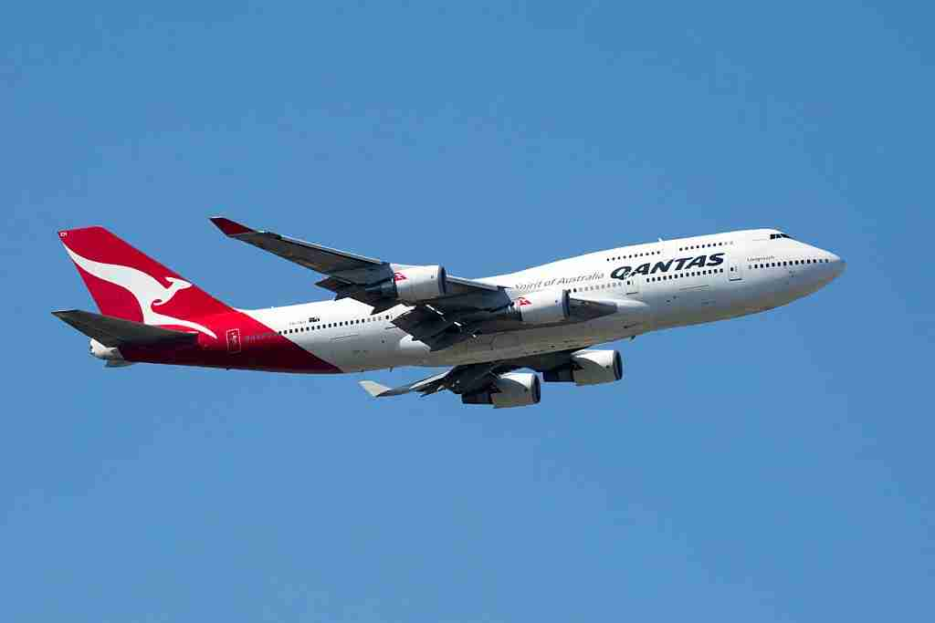 MELBOURNE, AUSTRALIA - MARCH 15: Qantas 747 flyover seen before the start of the 2015 Australian Formula 1 Grand Prix on March 15, 2015 in Melbourne, Australia.PHOTOGRAPH BY Chris Putnam / Barcroft Media (Photo credit should read Chris Putnam / Barcroft Media via Getty Images)