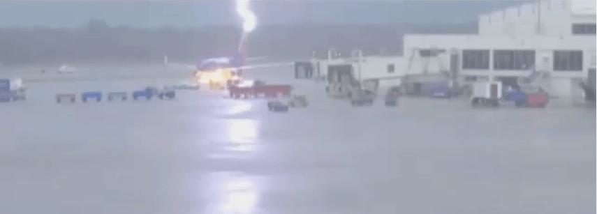 RSW plane lightning