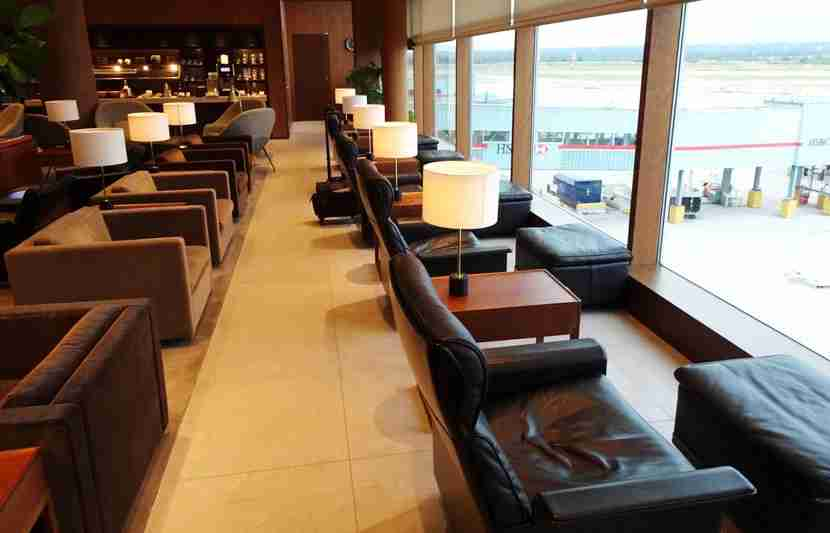 CX-Vanc-Lounge10