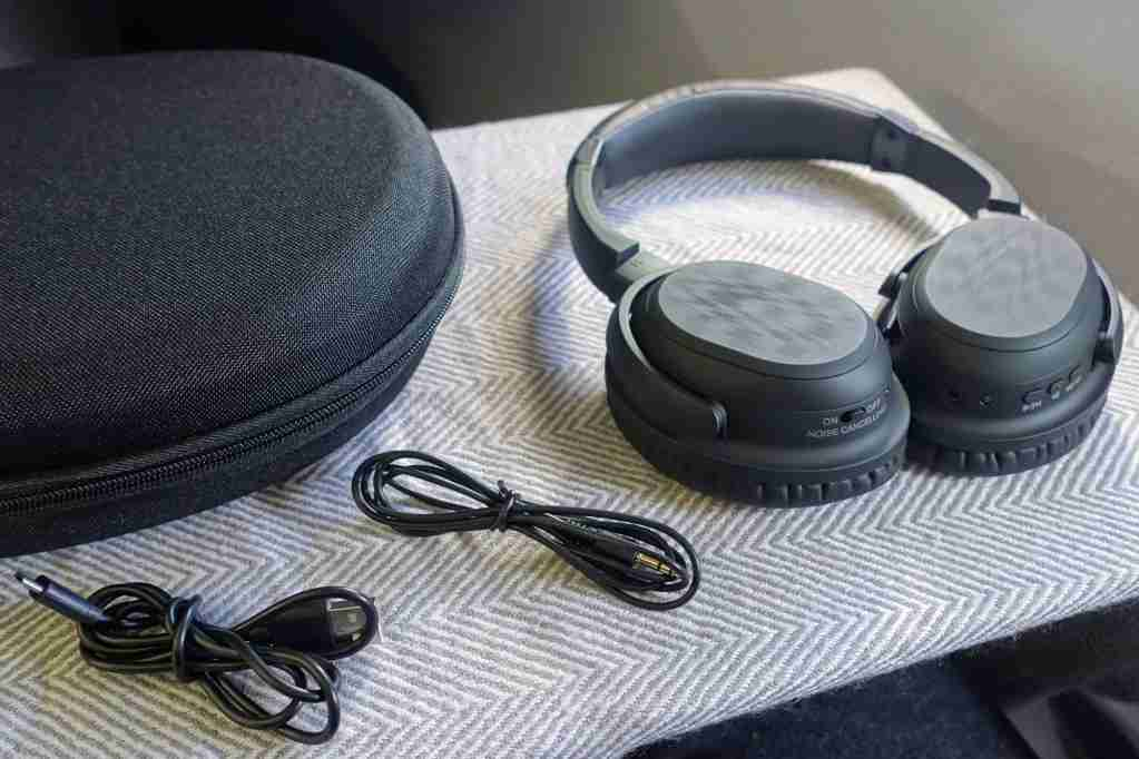 Noise Canceling Headphone Review