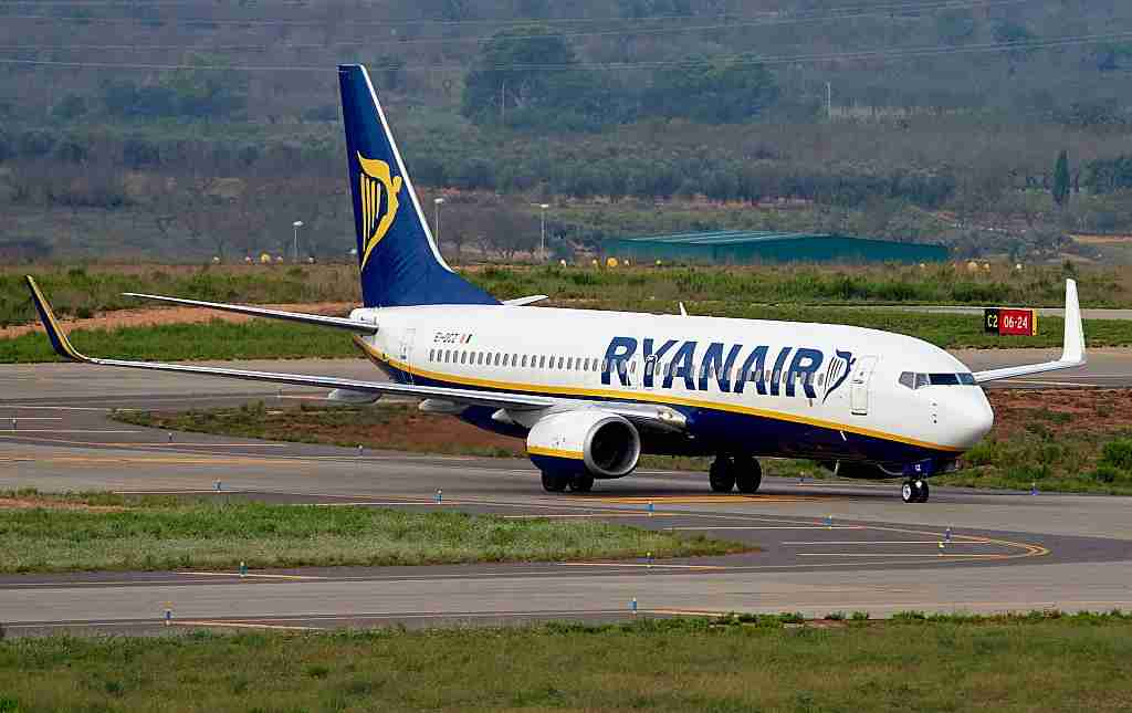 A Ryanair 737-800  prepares to take-off at Castellon airport on September 15, 2015 in Castellon de la Plana, Spain. (Photo by Manuel Queimadelos Alonso/Getty Images)