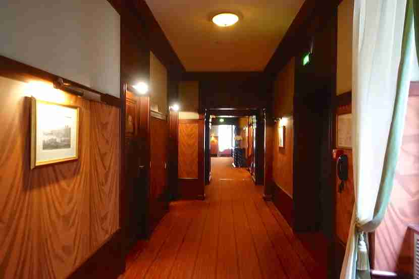 Intercontinental Bordeaux hallway 2