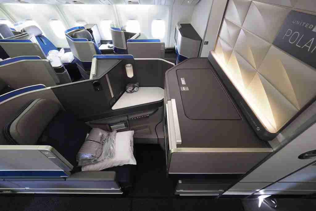 United 767-300ER Polaris Review