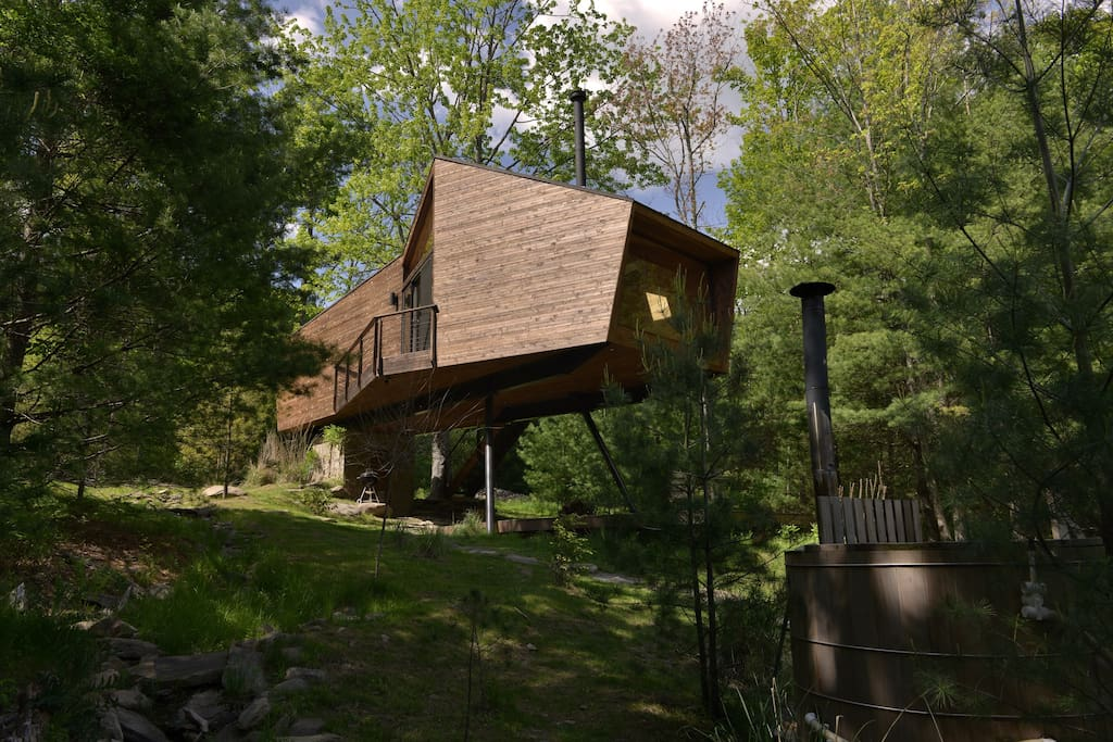 8 Incredible Treehouse Airbnbs For Every Style And Budget
