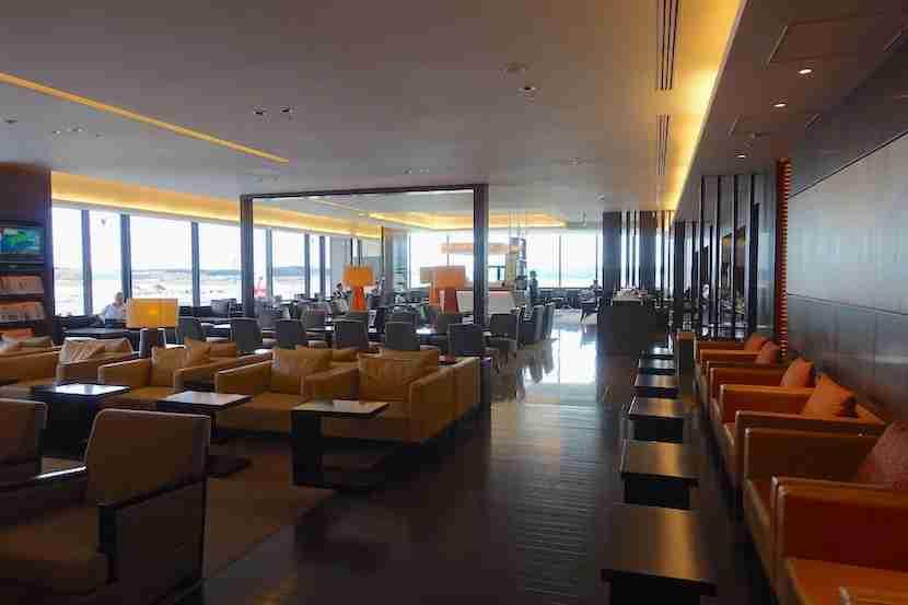 JAL lounge seating 1