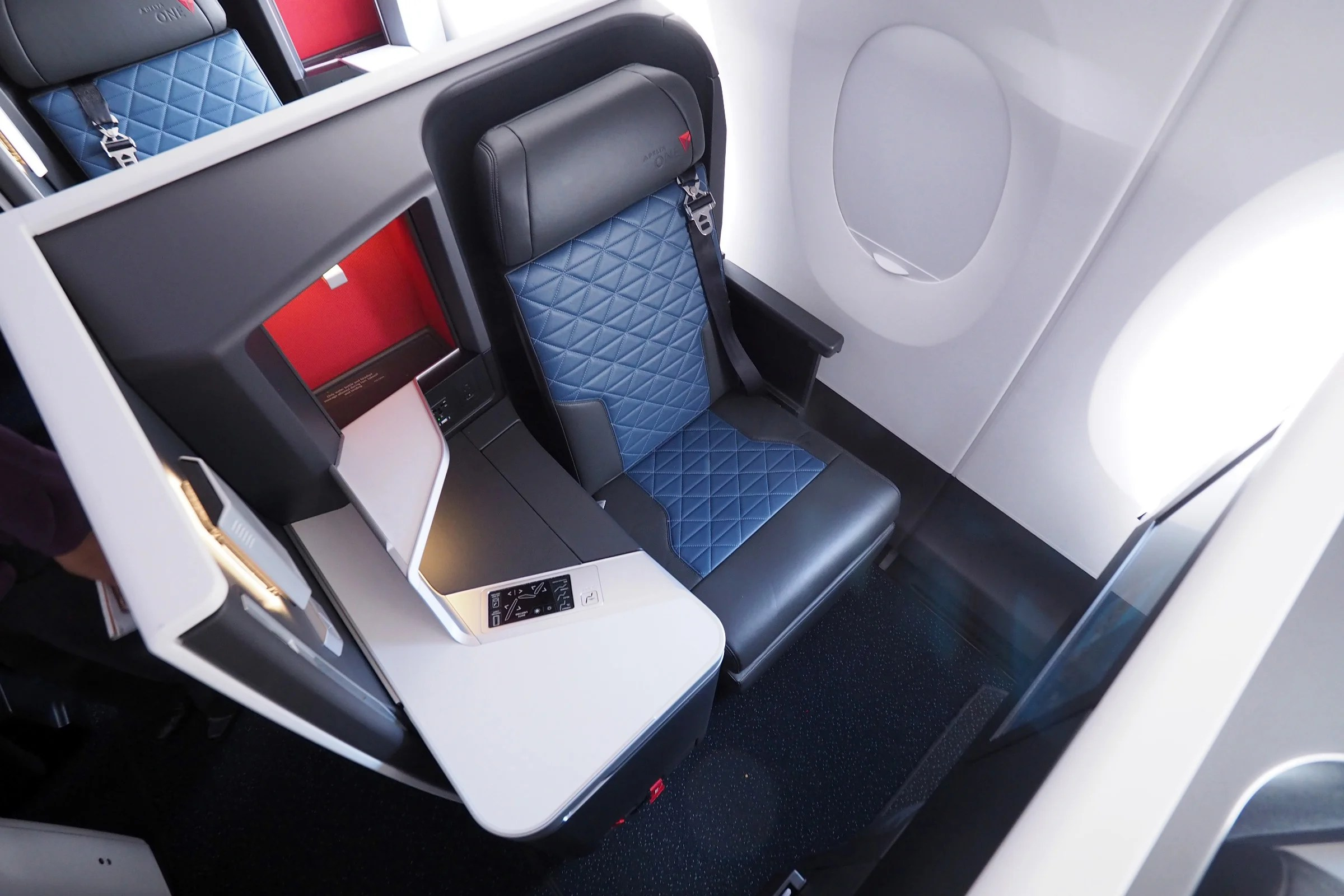 11 Pros and Cons: Delta One Suite on the Airbus A350
