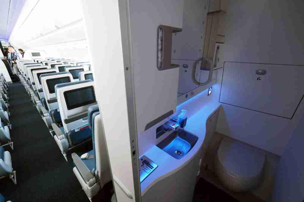 Delta A350 Economy