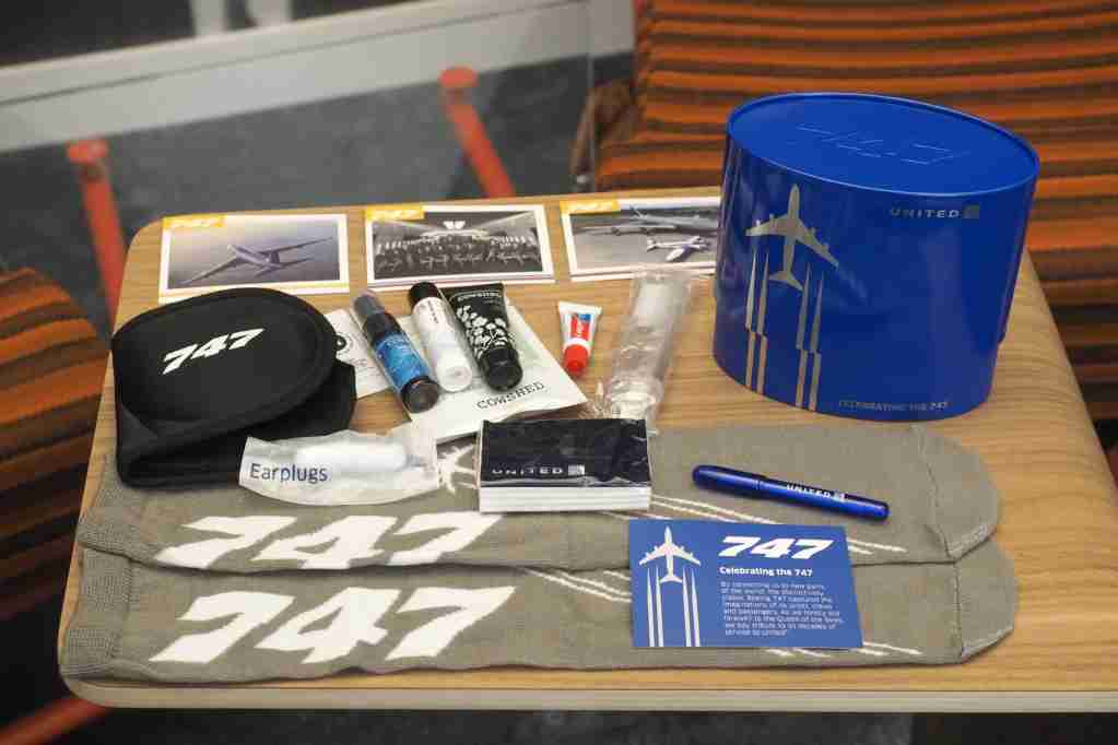 United 747 Amenity Kits