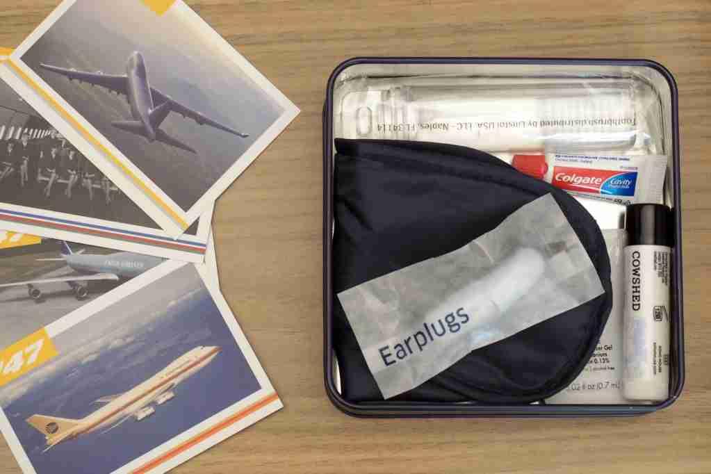 United 747 Amenity Kits
