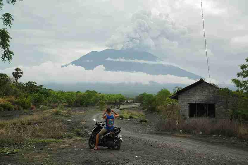 Mount Agung volcano erupts as seen from Kubu, Karangasem Regency, Bali, Indonesia. Photo by Dasril Roszandi/NurPhoto via Getty Images