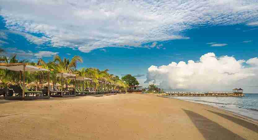 IMG-Hilton_Rose_Hall_Beach