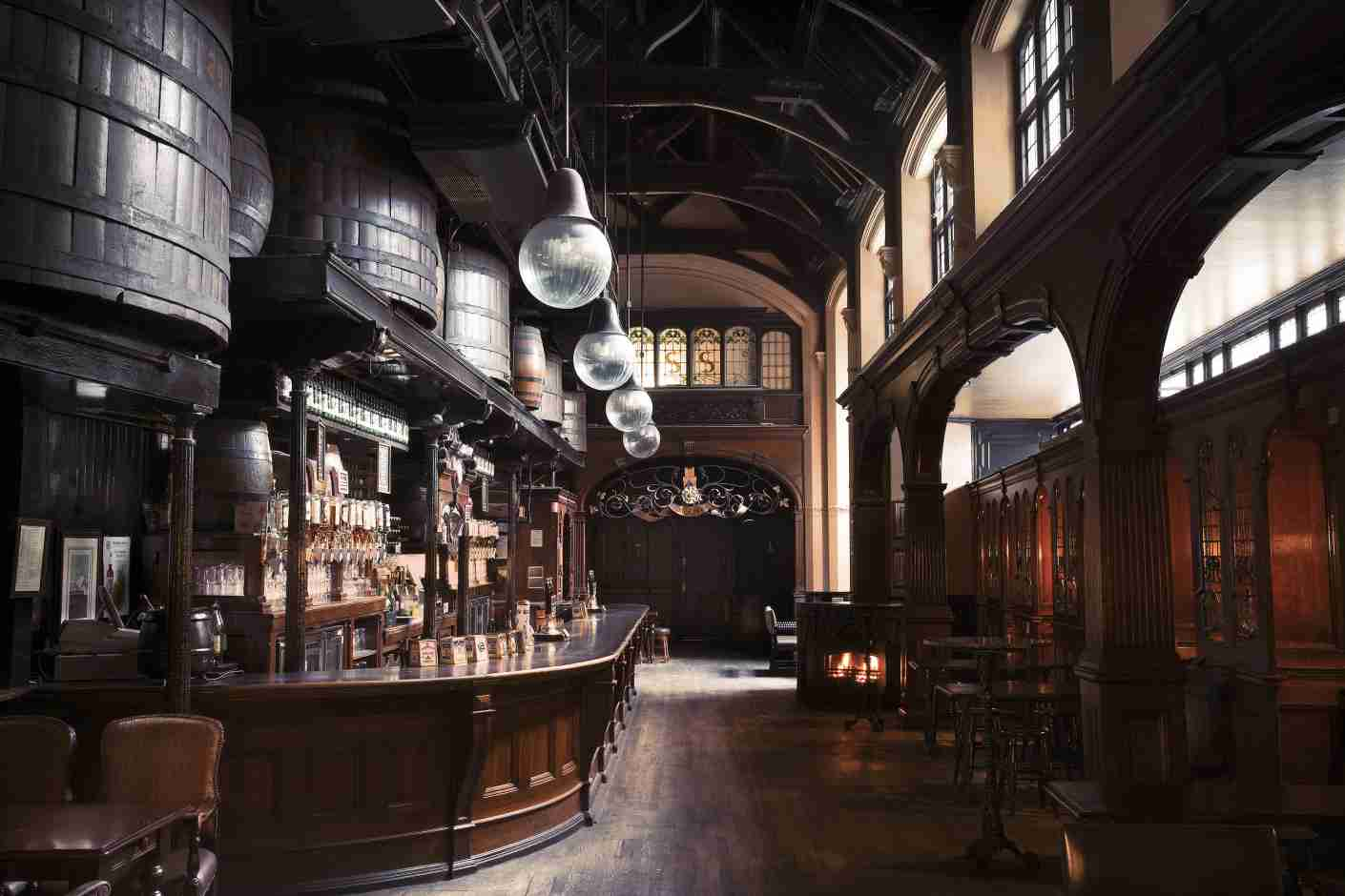 The vaulted main bar at Cittie of Yorke.